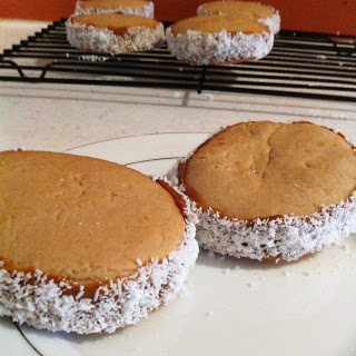 Alfajores Argentinos - A toddler his mum and their recipes - Ayyam-i-Ha Gift Guide 2013 on Alldonemonkey.com