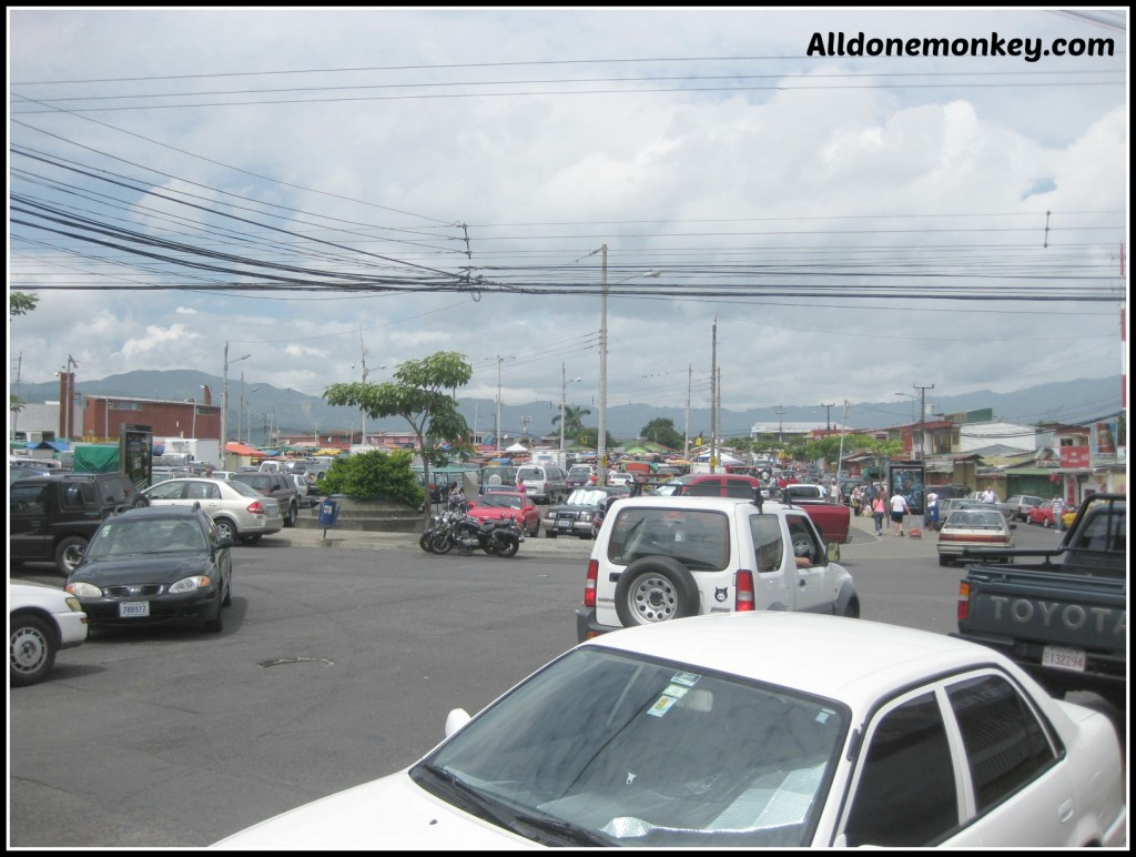 Exploring San Jose Costa Rica {Show Me Your Neighborhood Around the World} - Alldonemonkey.com