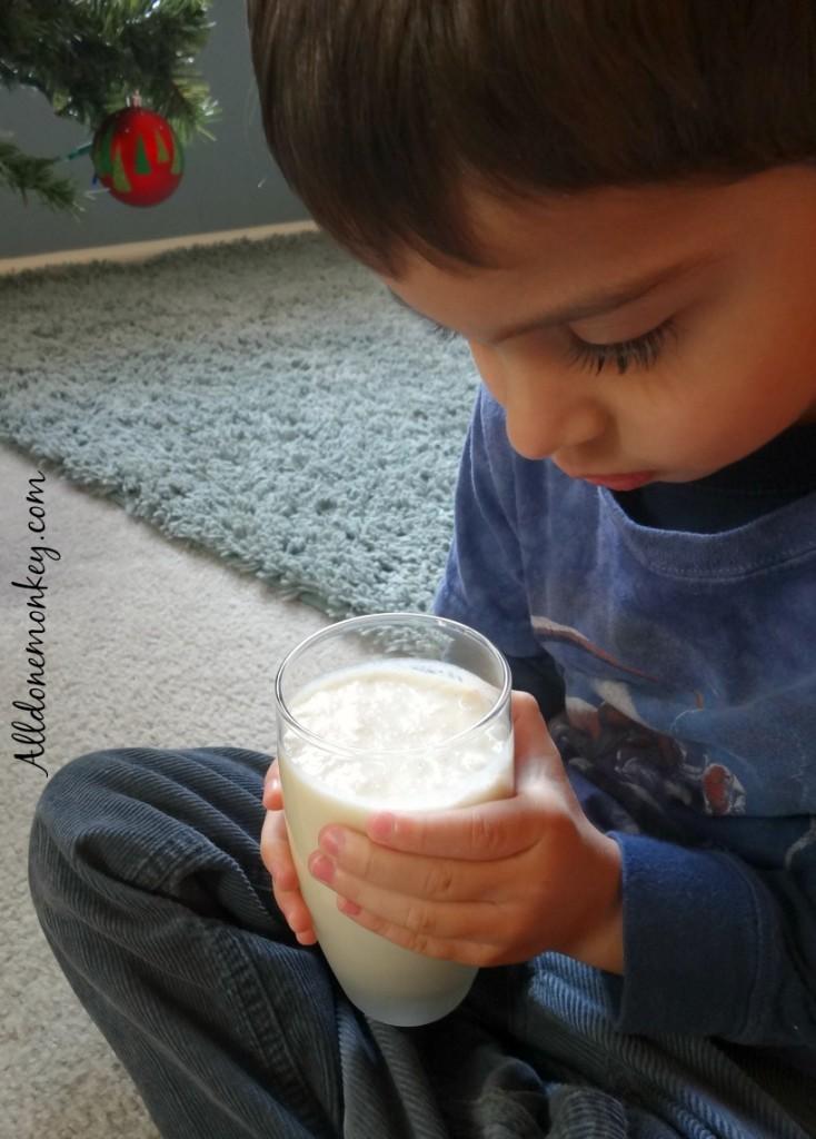 Kid-Friendly Holiday Drink: Pineapple Nog | Alldonemonkey.com